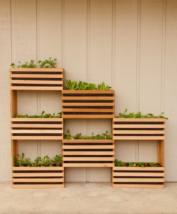 Vertical Vegetable Garden, garden design, vertical garden, space saving garden idea, diy, tutorial, how to, how to save space in your garden